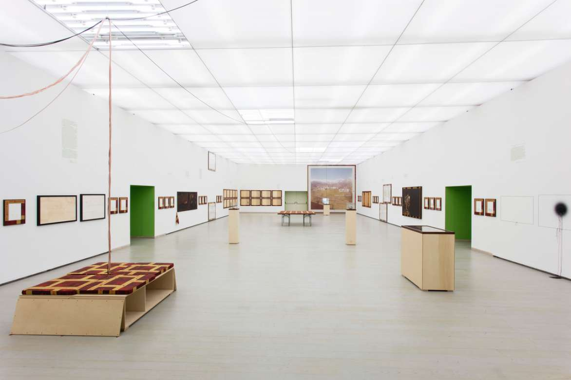 Stephen Prina, English For Foreigners, exhibition view, Museo Madre, Naples, May 15 – Oct 16, 2017.